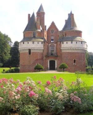 Château de Rambures et Musée de la Verrerie